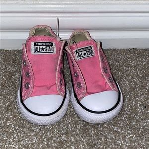Size 5 chuck Taylor's